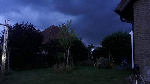 Sehr dunkle Regenwolken