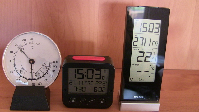 1 analoges und 2 digitale Thermometer